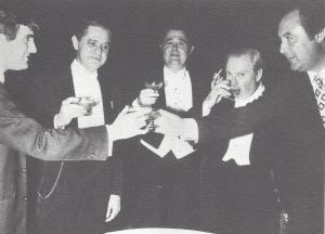 Jean-Bernard Pommier trinquant avec Rose, Istomin, Stern et Rampal. 1970