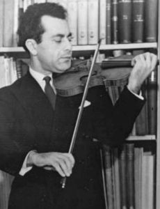 Schneider jouant du violon