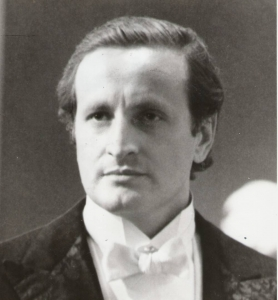 Le chef d'orchestre mexicain Eduardo Mata