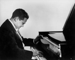 1950s-Eugene-au-piano