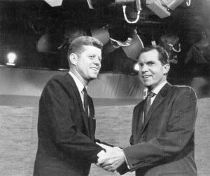Kennedy et Nixon lors de leurs débats télévisés de 1960