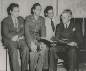 Eugene Istomin, Leonard Pennario, Leonard Bernstein et Artur Rodzinski. 1943